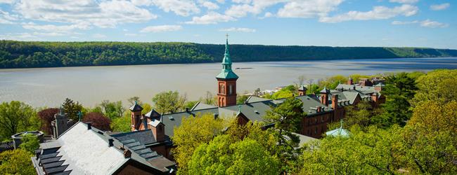 LISA-Language Travel-Student-Inglese-USA-New-York-Campus-College-Hudson-River-Campus