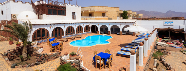 LISA-sprachreisen-arabisch-dahab-hotel-relax-swimming-pool