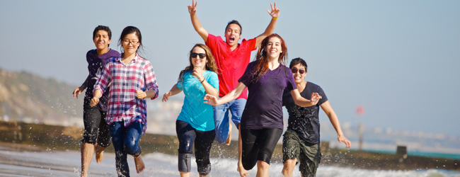 LISA-sprachreisen-schueler-englisch-England-Bournemouth-park-meer-strand-spass-swimmen-rennen